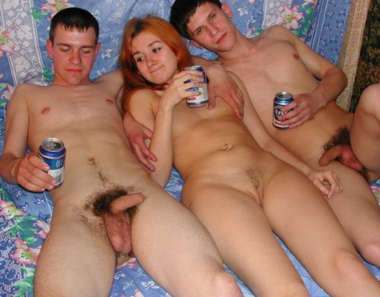 Пьяные девушки насилуют парней порно 13 фотография